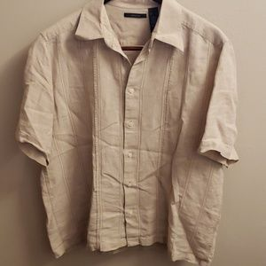 Men's linen Claiborne shirt.